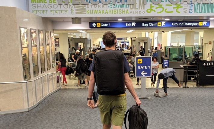 EVERGOODS CTB40 wearing at airport