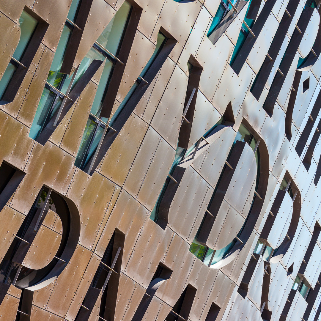 Wales Millennium Centre, Cardiff Bay. Architect: Percy Thomas Architects.