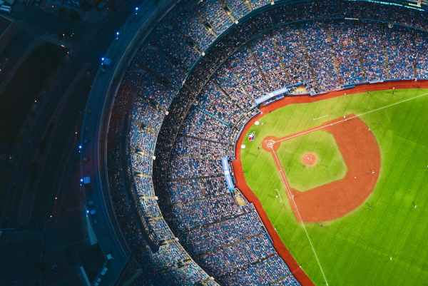 How Popular is Nomar Garciaparra in the Baseball Card Hobby?