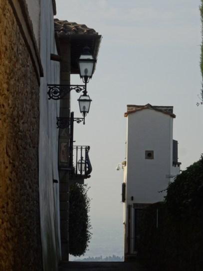 Heading down a steep lane in Fiesole