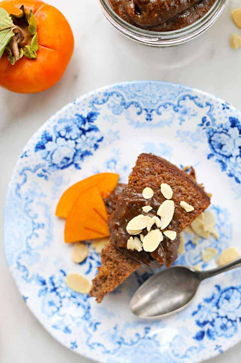 Flourless Persimmon Cake with Black Pepper-Molasses Date Caramel (DF/GF) (via thepigandquill.com)