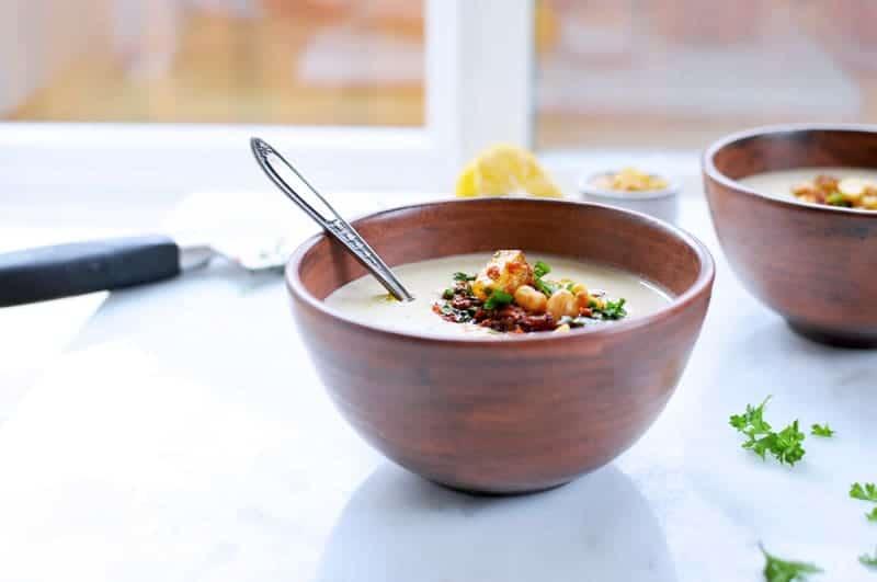 Creamy Hummus Soup with Crispy Soyrizo Gremolata (Vegan) (via thepigandquill.com)