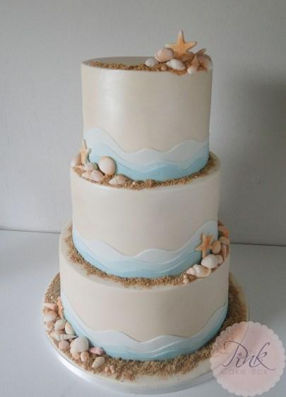 beach-wave-wedding-cake