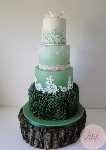 forest-green-lace-wedding-cake
