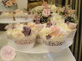 heather-and-blush-vintage-wedding-cupcakes