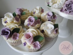 lavender-rose-wedding-cupcakes-copy