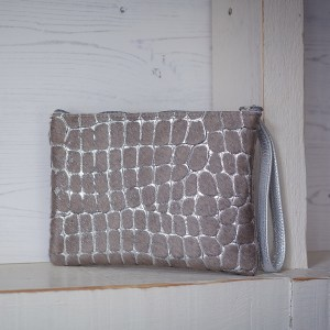 Minnie Clutch Bag Leather Silver Pebble