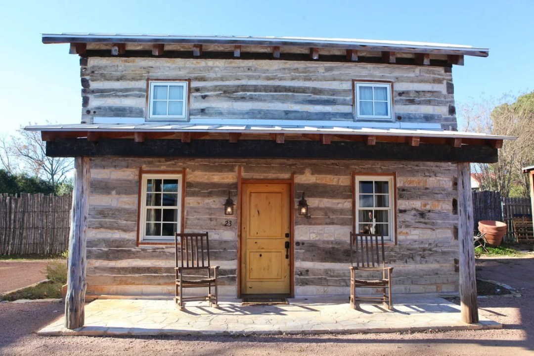 Hoffman Haus Log Cabin Review
