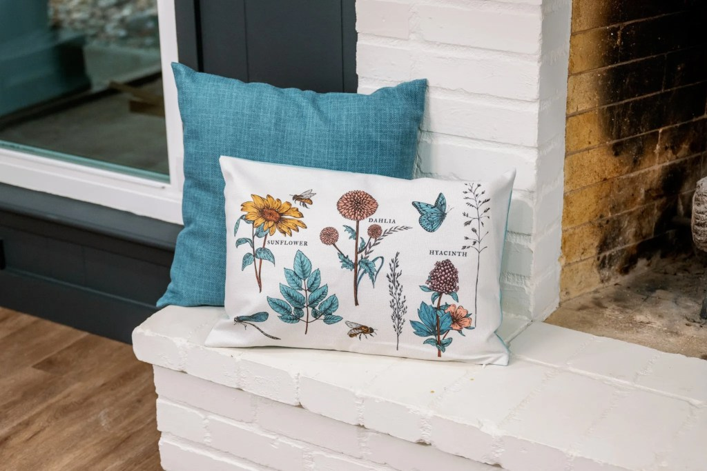 DecoCrated Spring Pillow
