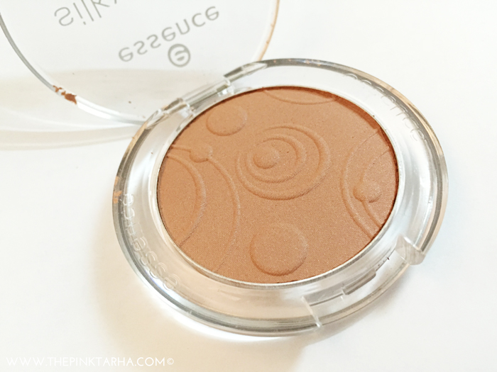 Cute embossed blush on