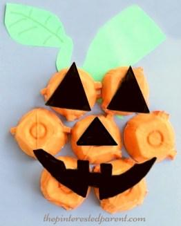 Egg Carton Jack-O-Lantern Craft for kids. Fall & Halloween Crafts & activities.
