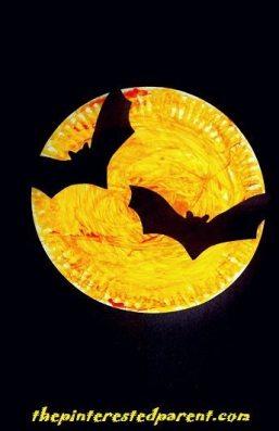 Paper Plate Bats Silhouette - Halloween Kid's Crafts