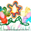 Plastic Spoon Flowers arts & crafts for kids - easy painting craft perfect for spring or summer or Mother's Day. Process art for preschoolers and toddlers