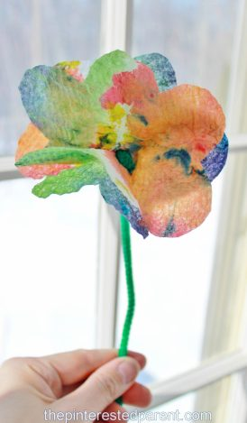 Tie Dye Paper Towel Flowers - a pretty summer arts & craft project for the kids