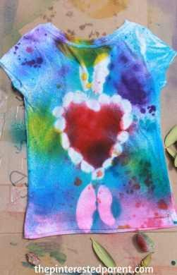 Nature Tie Dye Shirts - These t-shirt designs were made from rocks, leaves, twigs & other things found in nature. This is a fun spring or summer art activity & craft for kids or adults