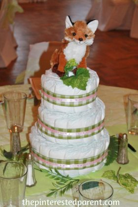 Woodland diaper cake centerpiece. An adorable idea for a baby shpwer for boy or girl