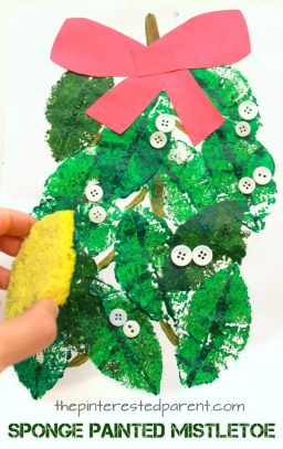 Mistletoe sponge leaf painting - Christmas and winter arts and crafts for kids and preschoolers. Button crafts