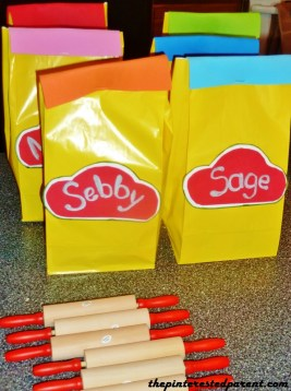 Goodie bags for the kids...filled with Play-Doh of course. for Play-Doh birthday party