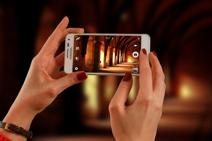 smartphone-623722_1280