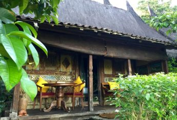 Checking into the Bambu Indah Hotel in Ubud
