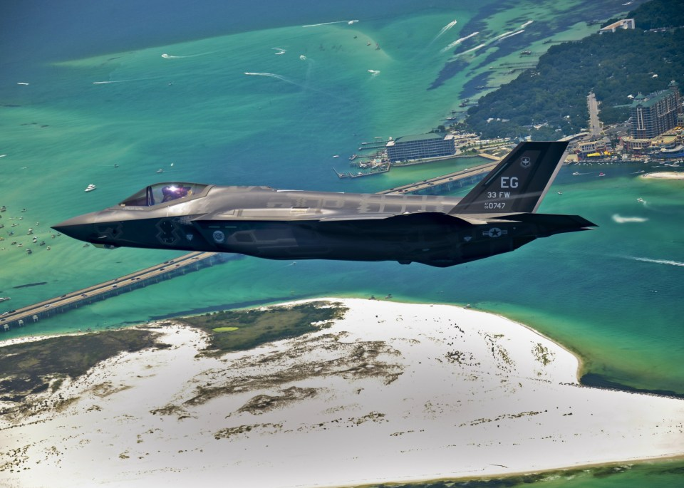 First_F-35_headed_for_USAF_