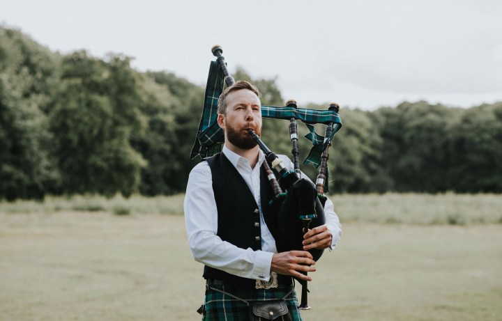 The Essex Bagpiper plays at a beautiful wedding