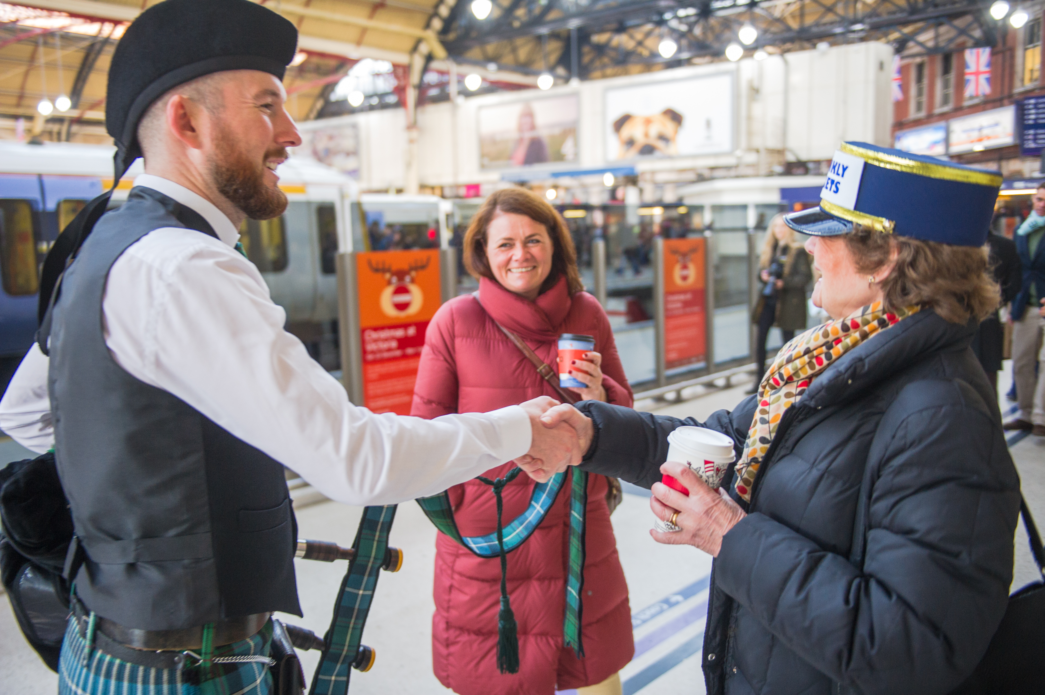 Image of the Essex bagpiper introducing himself for an event on the Orient Express