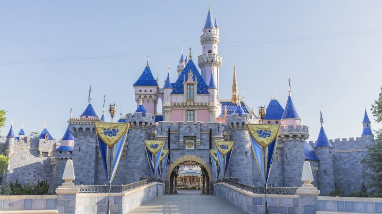 2020 Reservations Open for Disneyland Now
