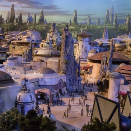 Make Reservations Now for Special Experiences in Star Wars: Galaxies Edge, at Walt Disney World