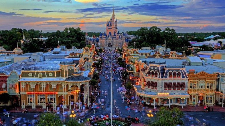 6 Reasons Why I Will Return to Disney Once They Open Back Up