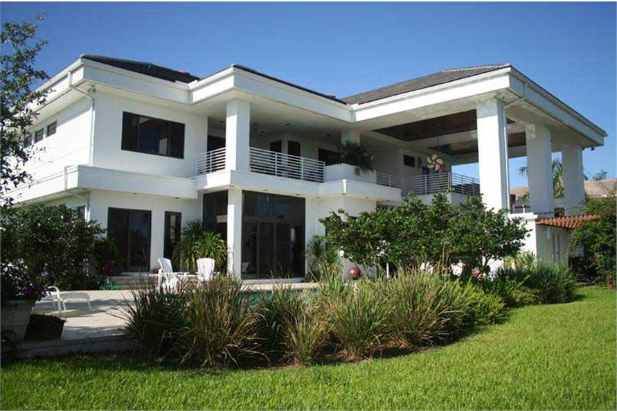 Contemporary Home With 4 Bdrms, 5555 Sq Ft
