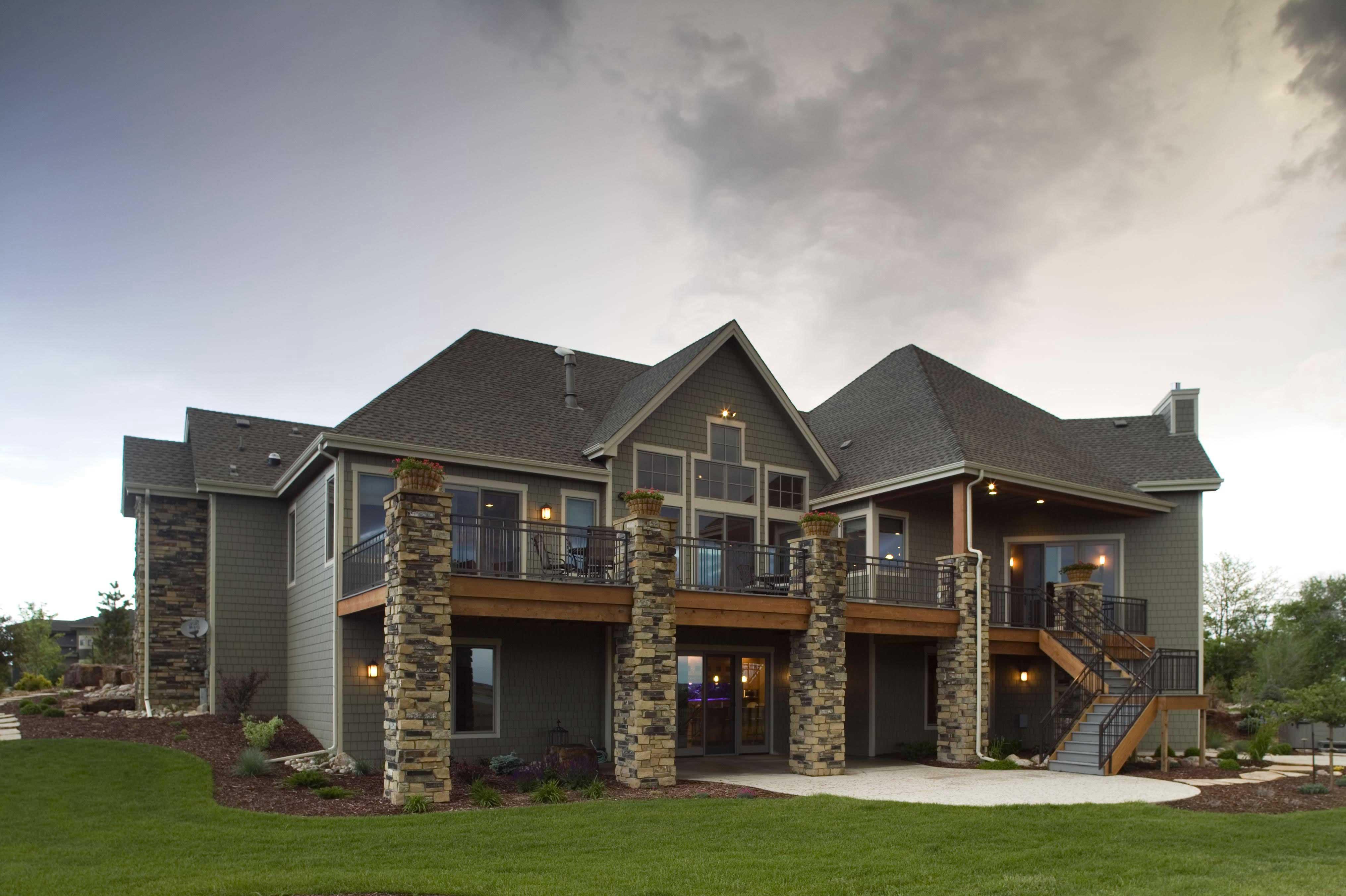 Craftsman House Plan- Home Plan #161-1042