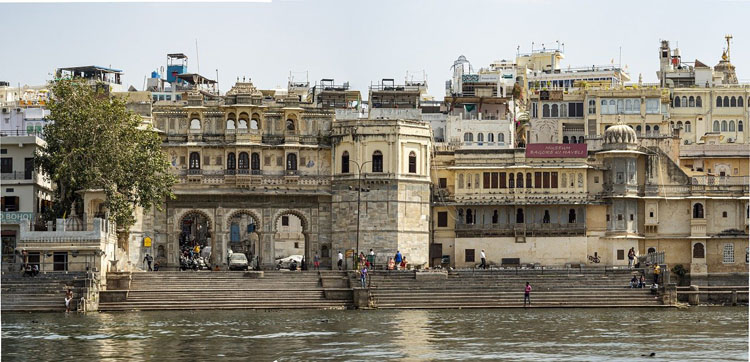 place to visit udaipur waterfront