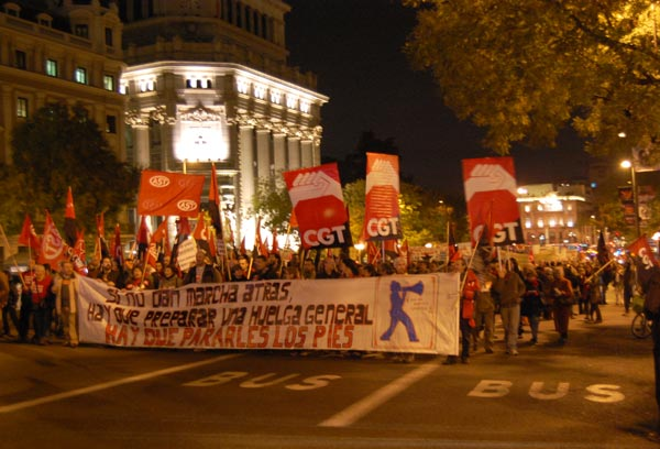 Demonstration in Madrid in solidarity with the Portugese general strike and calling for another general strike in Spain