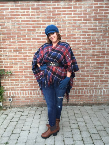 one size fits all plus size navy, black and rust checked wrap by Yours Clothing UK