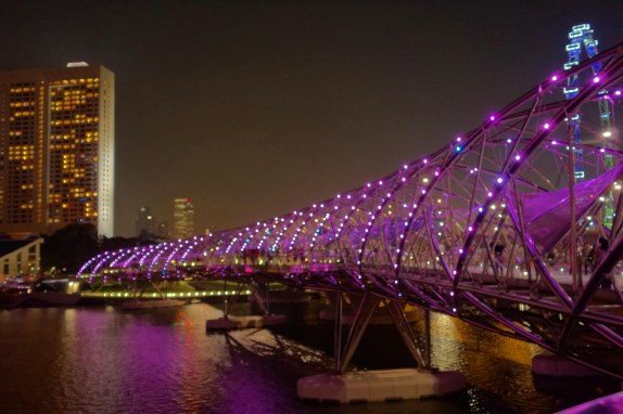 The Helix bridge leading us to the SANDS hotel.