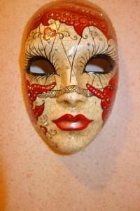A female Volto mask