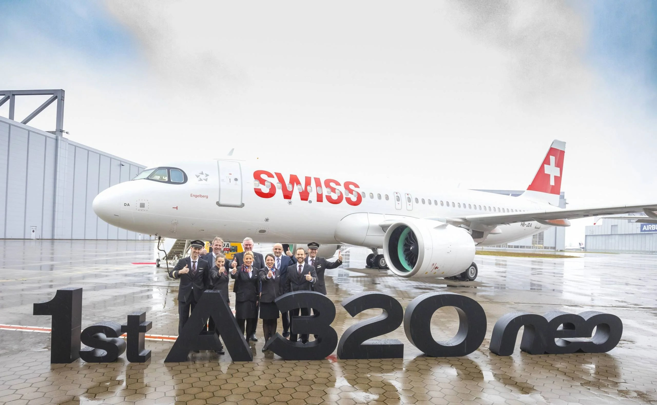 Swiss takes delivery of its first A320neo, which will soon fly to Heathrow