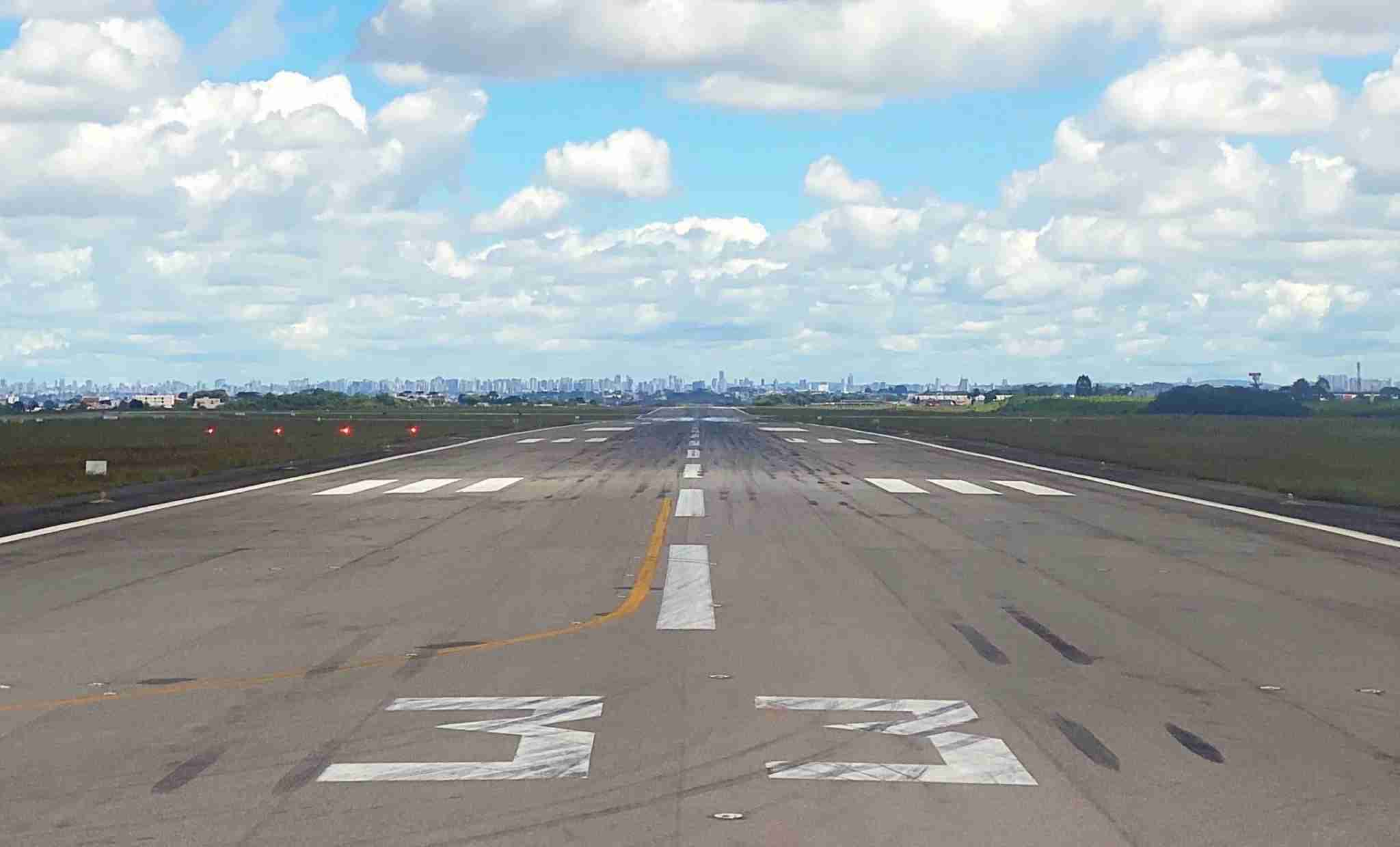 Arriving at the end of the runway at São Paulo (CGH) airport (Photo by Daniel Ross/The Points Guy)