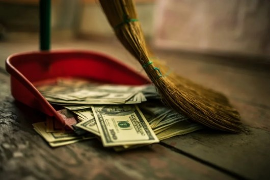 Letting your points or miles go to waste is like throwing money in the trash. Image courtesy of Shutterstock.
