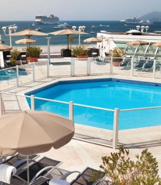 The JW Cannes' rooftop pool