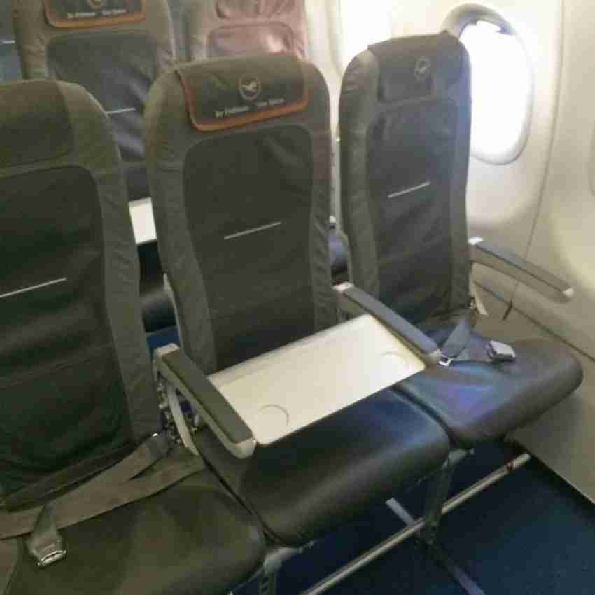Business-class seats aboard the A321 intra-Europe from Madrid-Munich.
