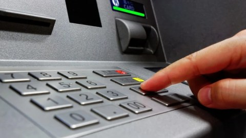 Avoiding ATM Withdrawal Fees When Traveling Abroad – The