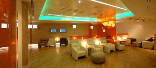 This is apparently what the Alitalia Giotto Lounge looks like when the lights are on!