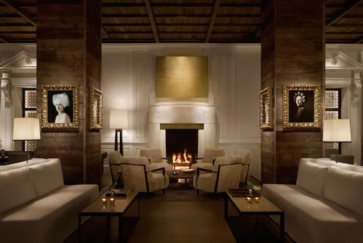 The lobby with fireplace at PUBLIC.