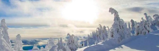 Big White Resort in Canada offers free same day skiing with Alaska boarding pass