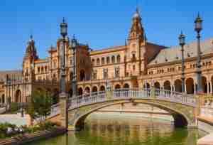 The breathtaking Plaza España. Photo courtesy of Shutterstock.