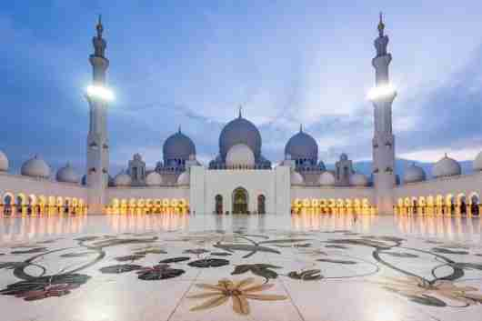 Sheik Zayed Grand Mosque. Photo courtesy of Shutterstock.