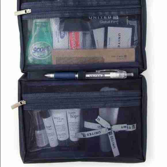 united-air-lines-global-first-amenity-kit