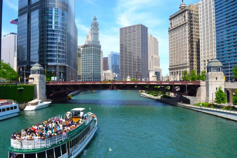Chicago is just as pretty when seen from the river (Photo courtesy of jessicakirsh / Shutterstock)